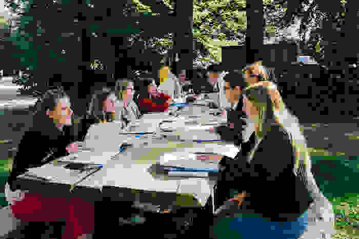 Schoolverlaters tijdens workshop van de masterclass van Bright Young Grads